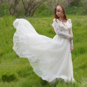 vintage 1940s bohemian wedding dress